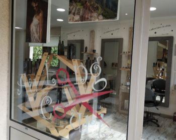 Vitrine salon de coiffure exposition photo